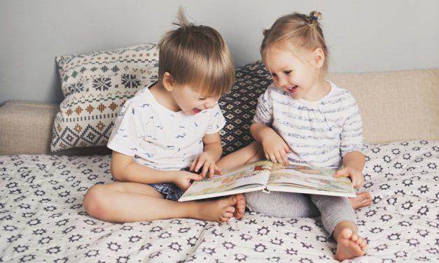 Entwicklung im Kleinkindalter: Jungen sind anders, Mädchen aber auch
