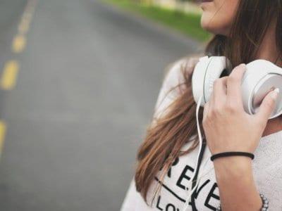 mp3-Player & Co: Immer mehr Jugendliche brauchen ein Hörgerät
