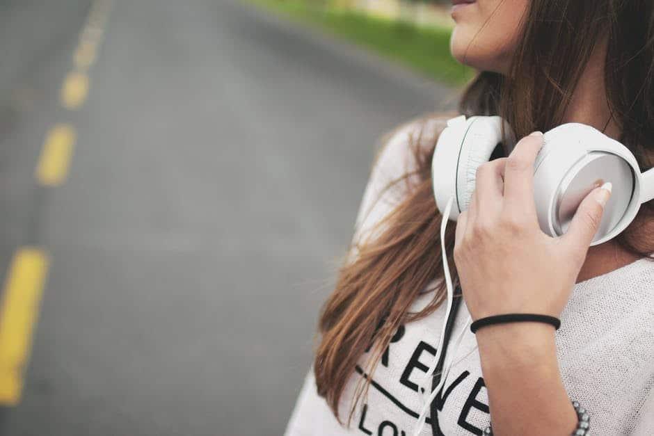 ITunes, Spotify & Co: Immer mehr Jugendliche brauchen ein Hörgerät