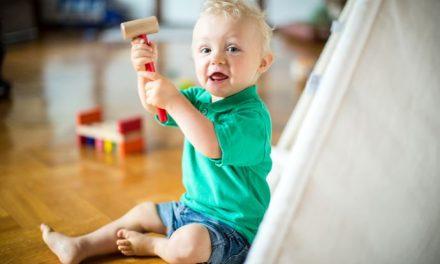 Der Explorationstrieb: Warum Kinder so oft ihr Spielzeug kaputt machen