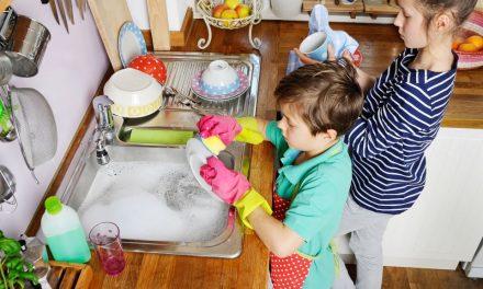 Welche Aufgaben Kinder ab welchem Alter im Haushalt übernehmen können