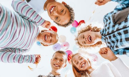 Immer auf die Ohren: Was Kinder so alles hören & verarbeiten müssen