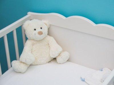Alltagsgeräusche helfen unruhigen Babys beim Einschlafen