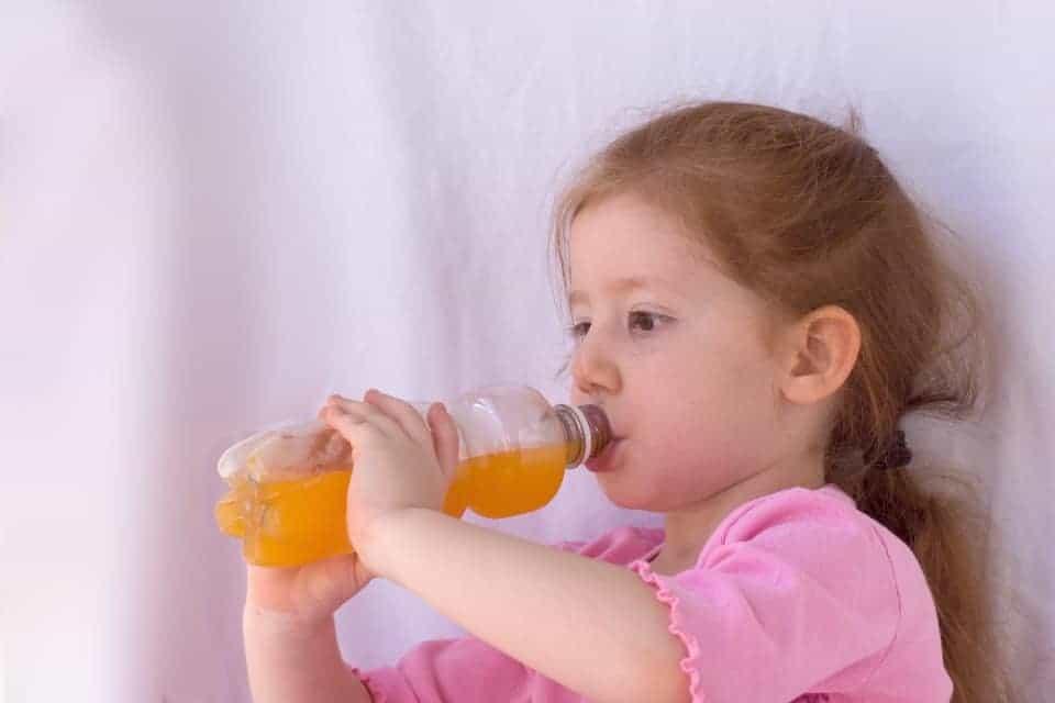 Limonaden und Co fördern die Gefahr weicher Knochen