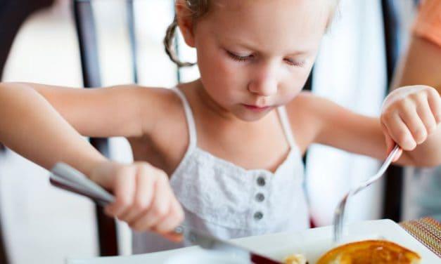 Tischmanieren für Kinder: Soviel muss sein