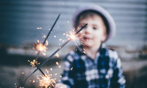Feuerwerk mit Kindern sicher gestalten