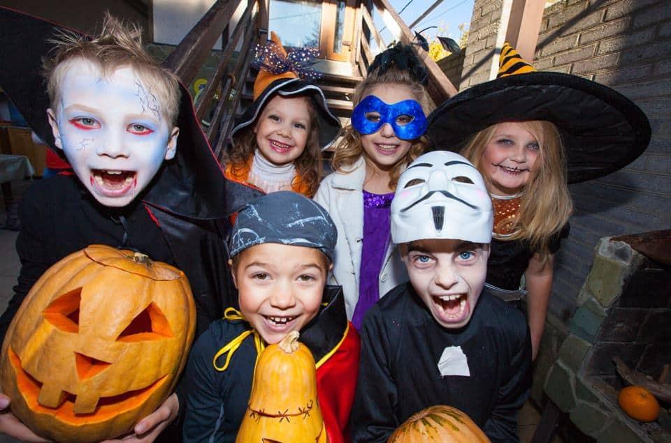 Halloween mit Kindern feiern