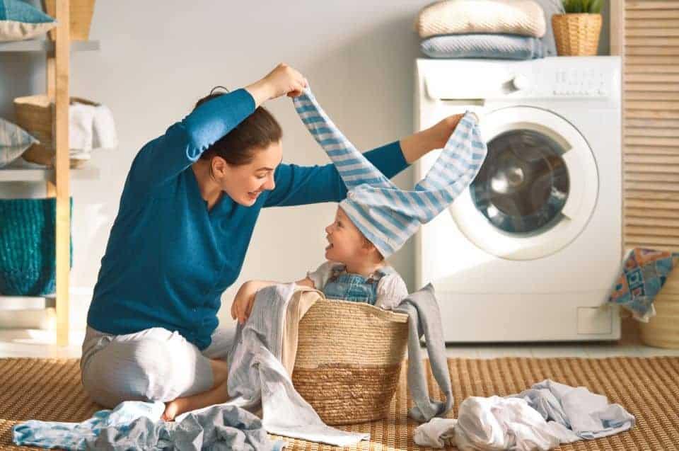 Babykleidung waschen: So gehts