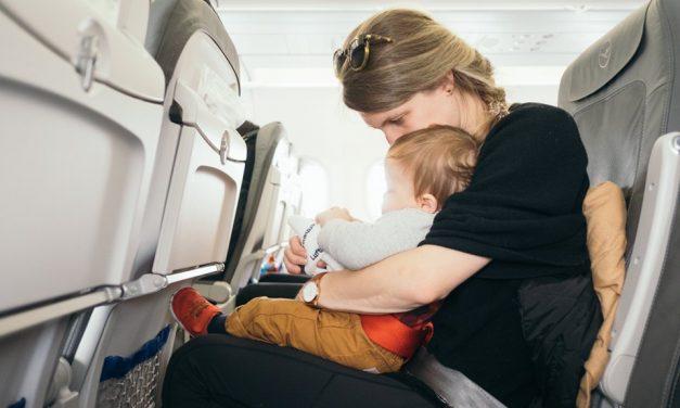 Flugbeschwerden: Was hilft gegen Ohrenschmerzen & Co.?