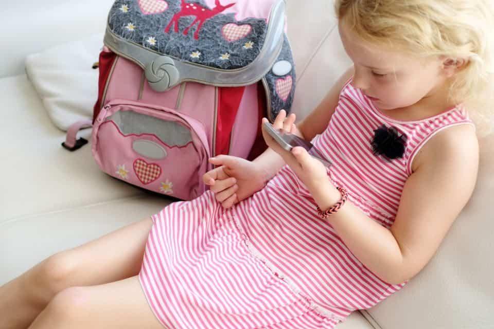 Das erste Handy für das Kind – Was ist zu beachten?