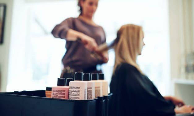 Haare färben in der Schwangerschaft: Das sollten Sie wissen