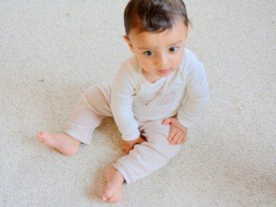 Sitzen lernen Babys von ganz allein, sitzen lernen,