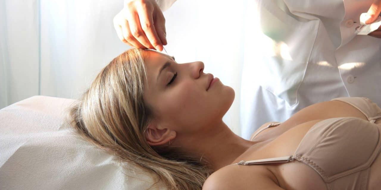 Die Akupunktur zur Linderung der Geburtsschmerzen