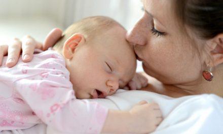 Baby Schluckauf: Wichtige Übungsfunktion für Atmung und trinken
