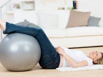 Die besten Tipps gegen müde und schwere Beine in der Schwangerschaft