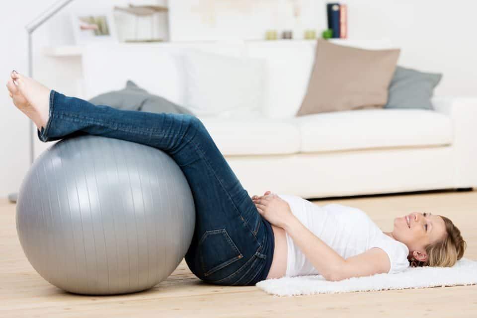 Schwere Beine in der Schwangerschaft: Das hilft