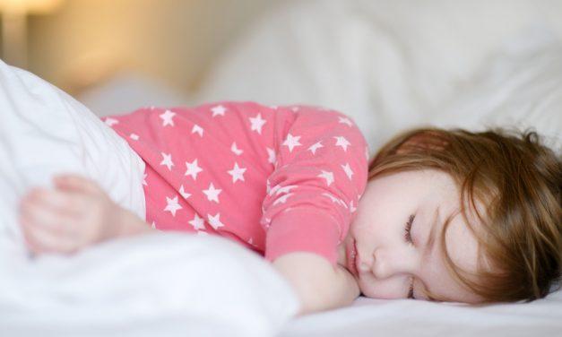 Zähneknirschen bei Kleinkindern: Ursachen und Folgen