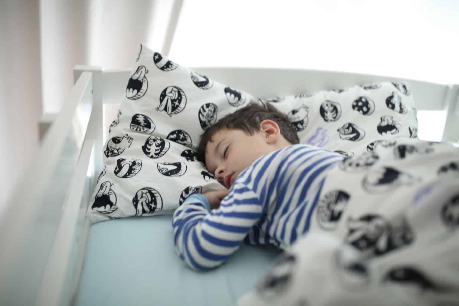 Unregelmäßige Schlafenszeiten bei Kindern führt zu Verhaltensauffälligkeiten
