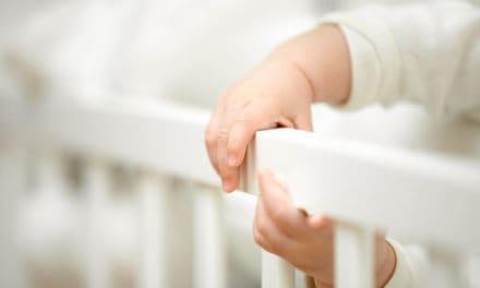 Wann greifen Babys das erste Mal?