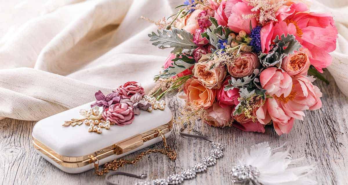 Festliche Umstandsmode: Schwanger zur Hochzeit eingeladen