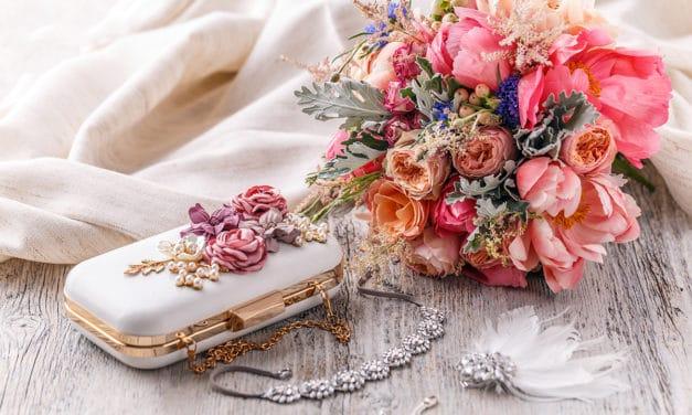 Schwanger zur Hochzeit eingeladen