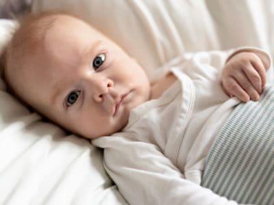 Pucksack: So schlafen Babys sicher.