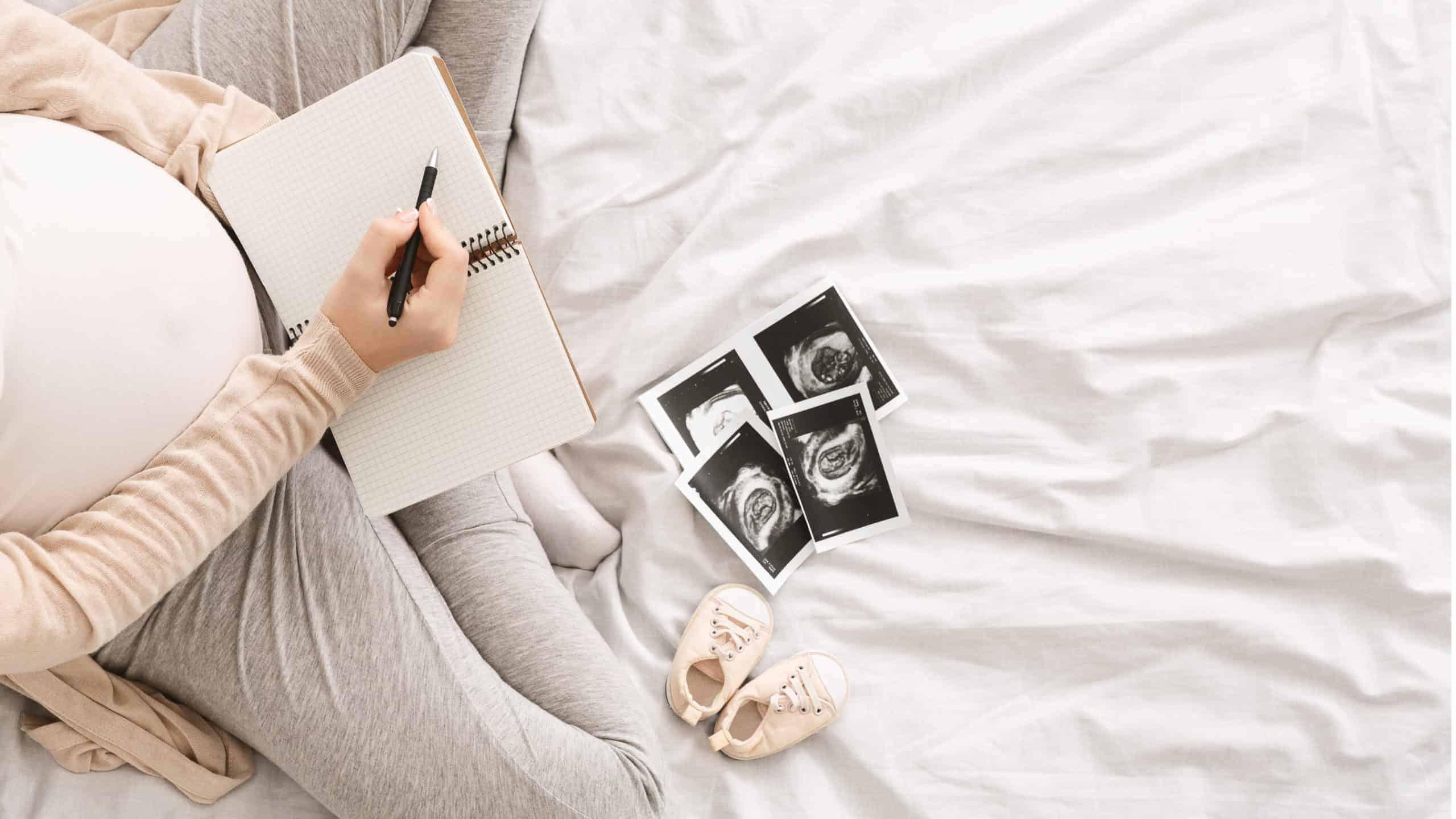 Die schönsten Momente im Tagebuch festhalten Schwangerschaftstagebuch