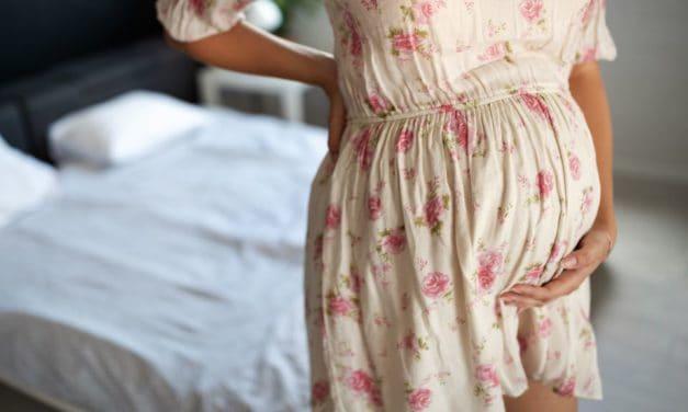 Symphysenschmerzen in der Schwangerschaft:  Ursachen und Therapie