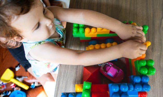 Farben lernen leicht gemacht: So helfen Sie Ihrem Kind