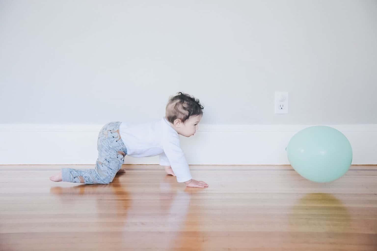 Krabbelrolle: Spielspaß für Babys und Kleinkinder