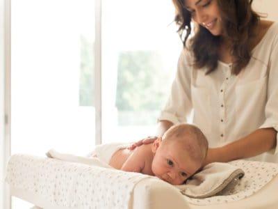Babyöl Test: Das sind die Besten. Welche Öle eignen sich für die Babypflege?