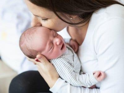 Blähungen beim Baby: Was hilft wirklich bei Bauchschmerzen