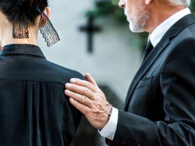 Sollen Kinder mit zur Beerdigung ?